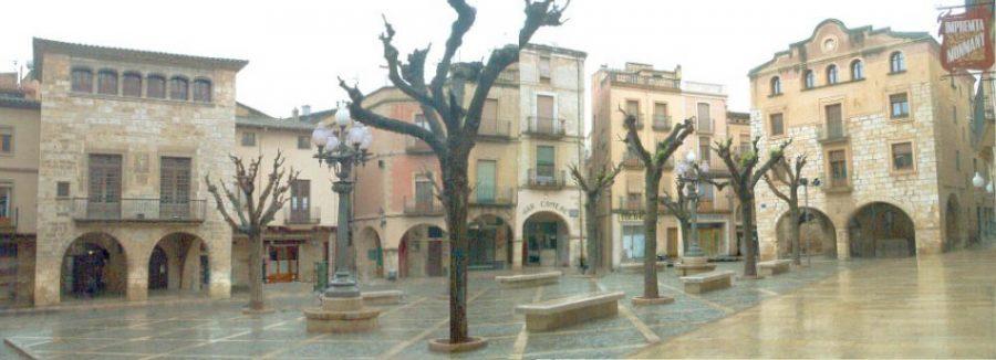 montblanc   plac3a7a major jordi d a - Montblanc y su imponente recinto amurallado de origen medieval (Tarragona)
