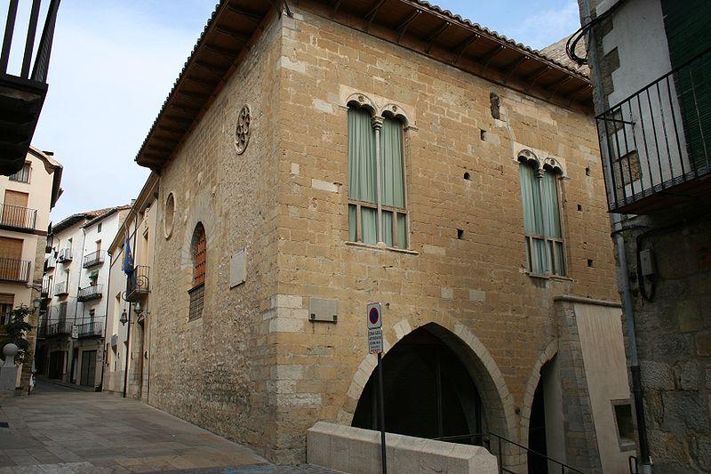 800px morella casa 02 jmm ayuntamiento josemanuel - Morella: la montaña medieval que parece inexpugnable (Castellón)