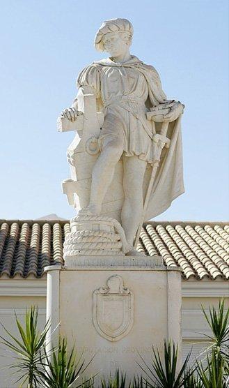 estatuapinzc3b3npalos1 miguel c3a1ngel fotc3b3grafo - Palos de la Frontera: donde partieron las carabelas de Colón