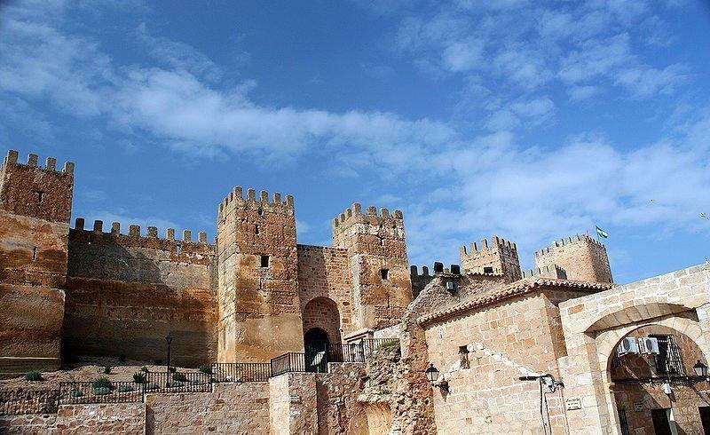Baños de la Encina: un esplendoroso castillo califal (Jaén)