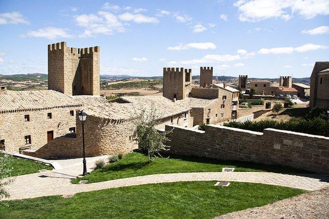 Artajona y su cerco, una agitada historia medieval (Navarra)