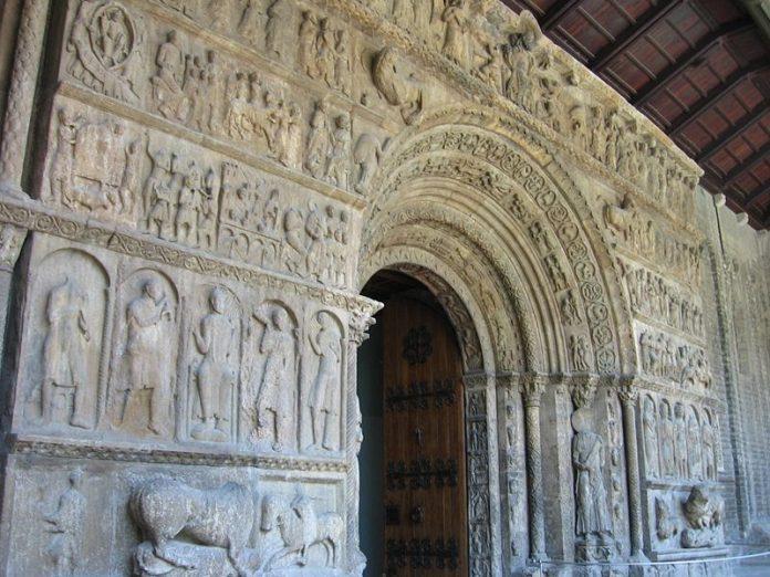 fachada monasterio ripoll