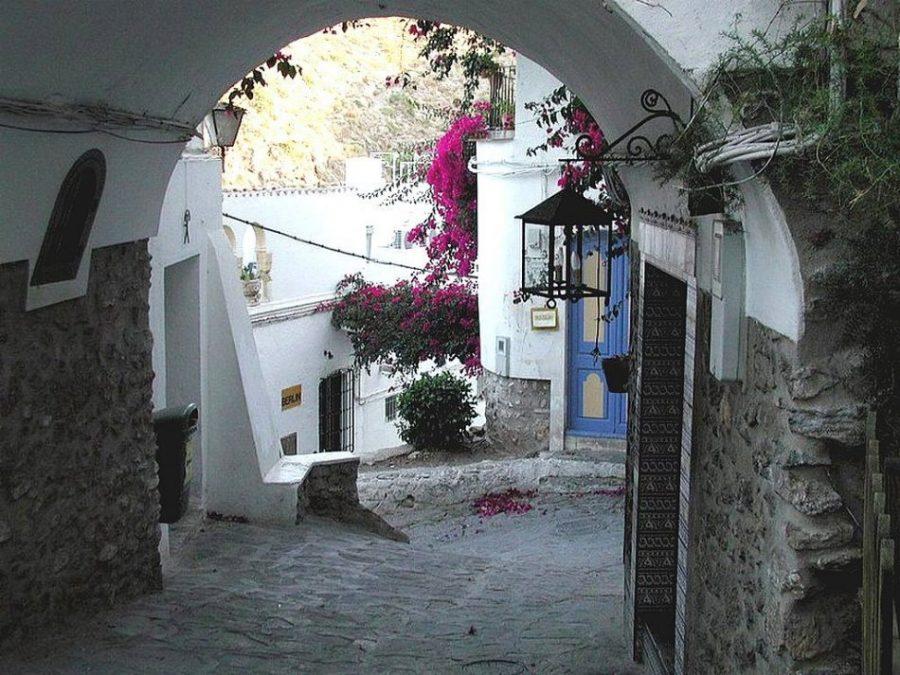 calle encalada de Mojácar.