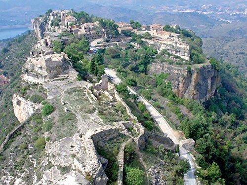 Siurana, el pueblo que se asoma al acantilado (Tarragona)