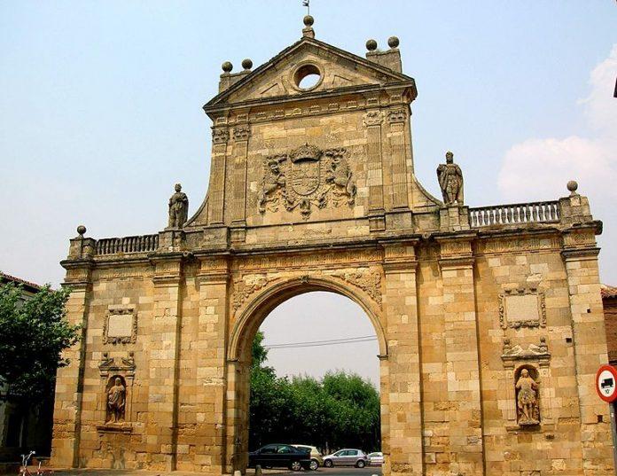 Arco de San Benito Sahagun