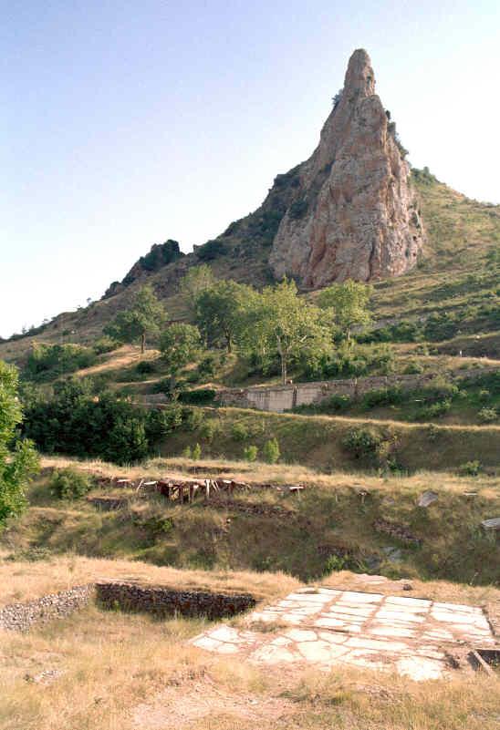 Poza de la Sal: un conjunto salinero muy antiguo (Burgos)