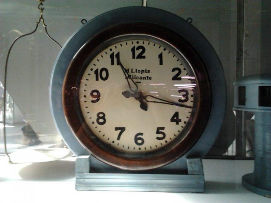reloj mercado alicante
