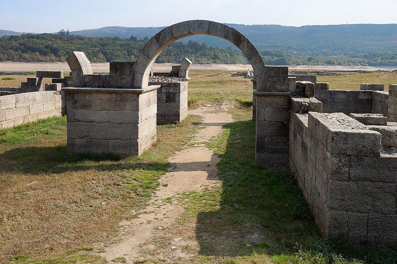 Aquis Querquennis, un campamento romano bajo las aguas (Ourense)