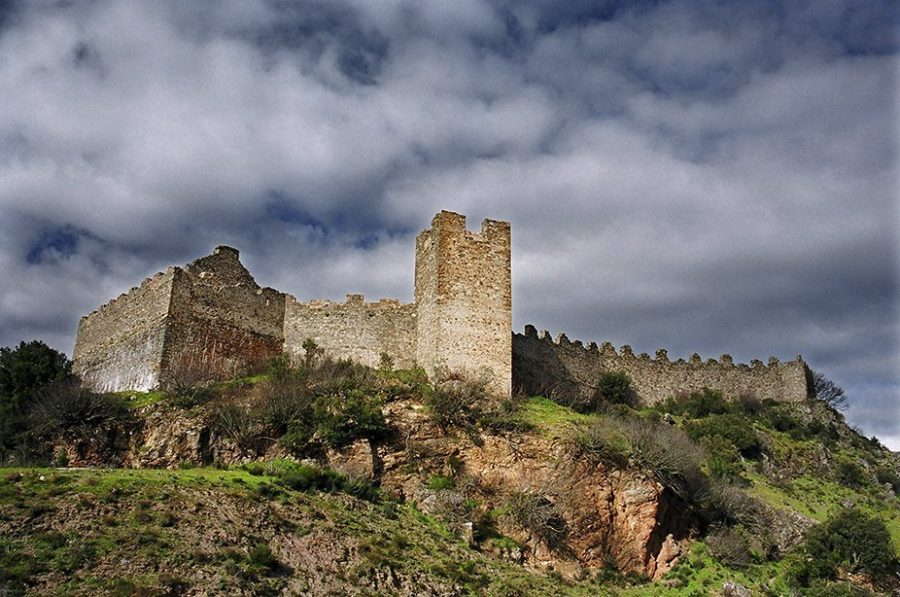 Uno de los bastiones templarios en la Edad Media: el castillo de Cornatel