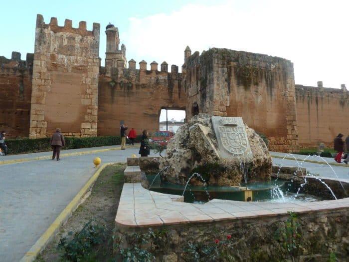 Niebla y sus murallas frente al asedio de los vikingos (Huelva)