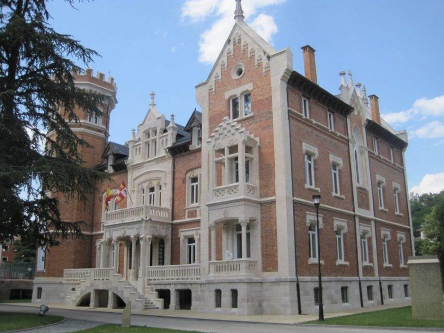 El Palacio de la Isla, donde se puso fin a la Guerra Civil (Burgos)