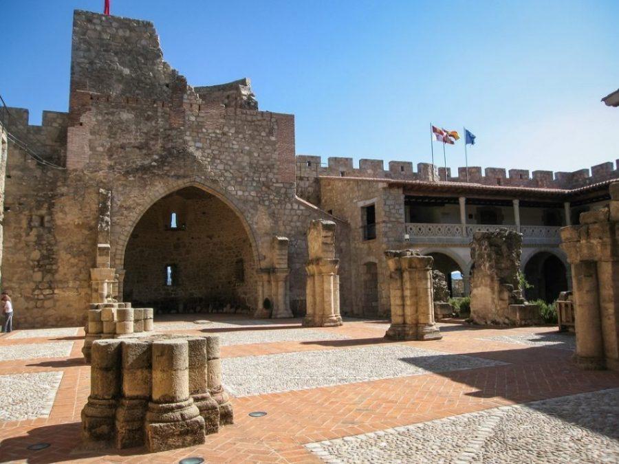 Don Álvaro de Luna y su castillo de La Adrada (Ávila)