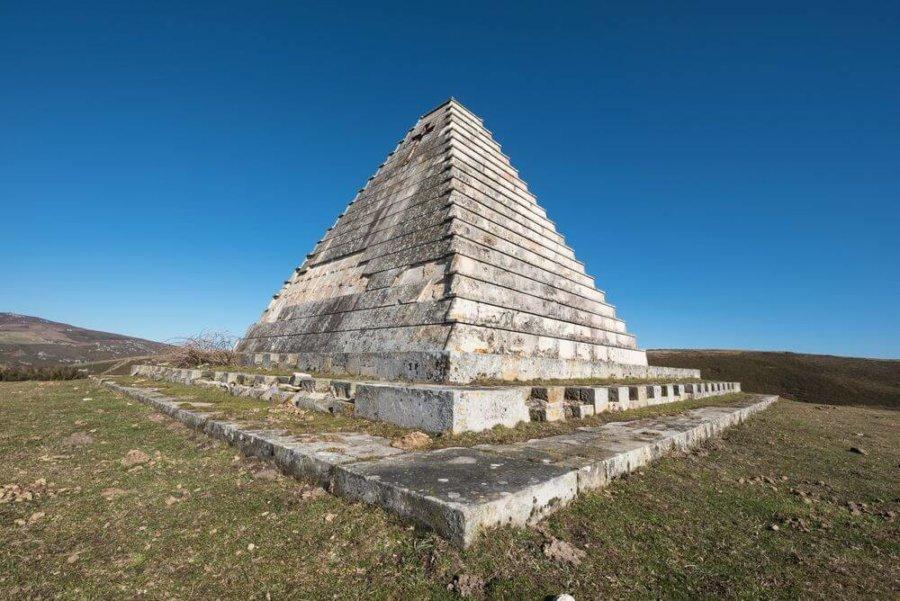 piramide_fascista