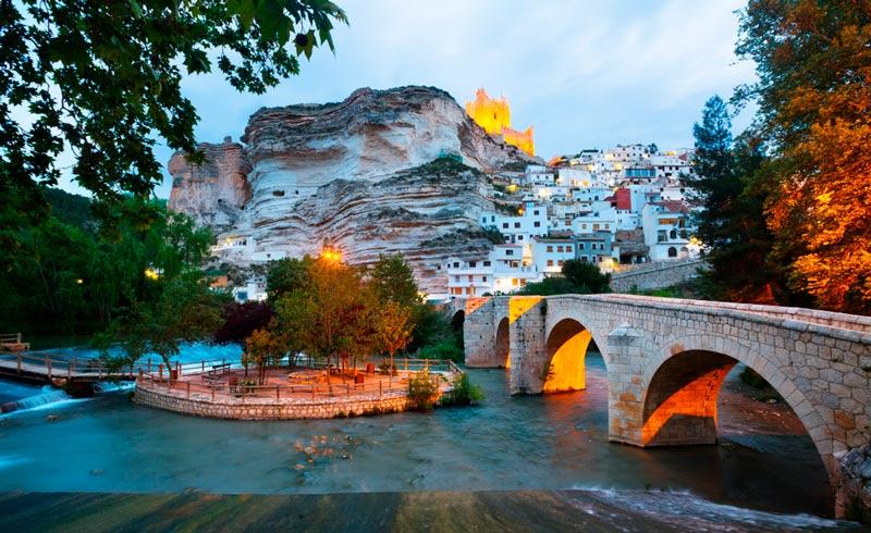 Alcalá del Júcar, un pueblo para pasear en torno a una leyenda