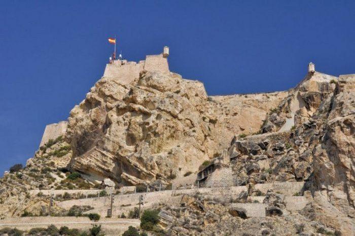 Castillo Santa Barbara 3 e1585416366459 - Alicante: historia y leyenda del castillo de Santa Bárbara