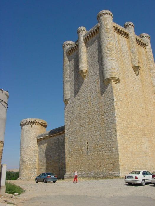 Torrelobaton Lourdes Cardenal e1583812842416 - Torrelobatón: historia a los pies de su castillo